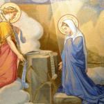 """2008: Détail de """"l'Annonciation"""" (Mystère Joyeux), Mosaïques de G.D. Facchina, bas. Notre Dame du Rosaire, Lourdes (65), France."""