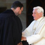 18 juillet 2008: Benoît XVI et le Rabbin Jeremy LAWRENCE à g., chef de la Grande Synagogue de Sydney, lors de la rencontre interreligieuse organisée, Sydney, Australie, Océanie.