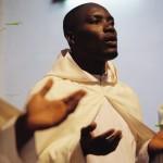 Moines en prière au monastère cistercien de Koutaba.