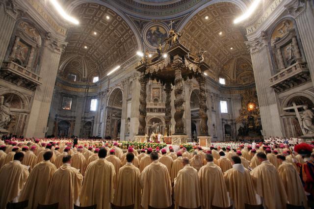 Messe de clôture du Synode des Evêques en la basilique St-Pierre de Rome