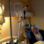 Bénévole visitant un patient en unité de soins palliatifs