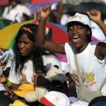 Voyage de Benoît XVI en Afrique messe au stade de Luanda le 21 mars 2009