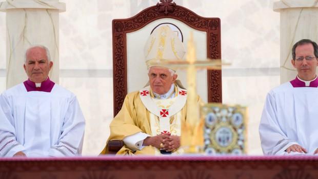 10 mai 2009: messe célébrée par le pape Benoît XVI au stade d'Amman, Jordanie.
