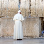 Benoît XVI au Mur occidental de Jérusalem