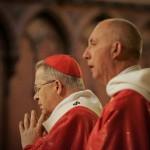 Le cardinal André VINGT TROIS, archevêque de Paris, lors de la messe des Parlementaires à Sainte Clotilde