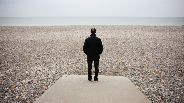 homme_plage_solitude