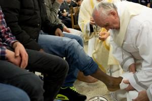 pape_françois_lavement_pieds