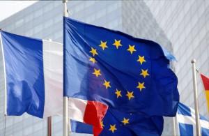 DRAPEAU EUROPEEN ET DRAPEAUX D'EUROPE A LA DEFENSE