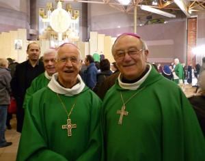 Mgr Hubert Barbier, archevêque émérite de Bourges, avec Mgr Armand Maillard, archevêque de Bourges.