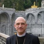 Mgr Nicolas Souchu, évêque auxiliaire de Rennes AP Lourdes avril 2009 portrait