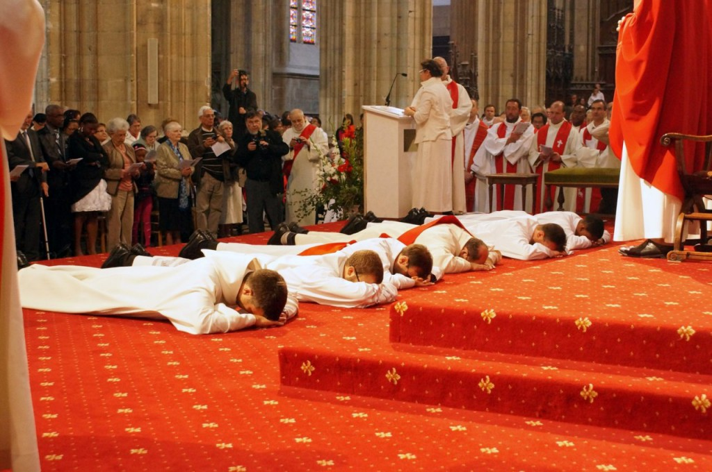 ordinations_orléans_2013_prostration