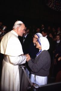 Jean-Paul II et Mère Teresa en 1993