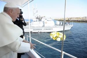 Lampedusa, premier voyage de François