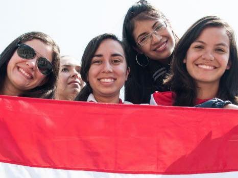 jeunes femmes du Paraguay