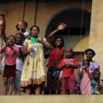 femmes et enfants en Afrique