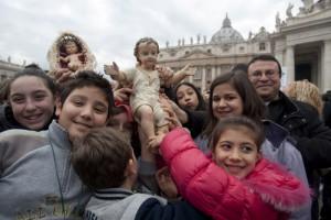 Statuettes représentant l'Enfant Jésus