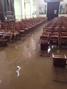 inondation_église_Crecy-La-Chapelle