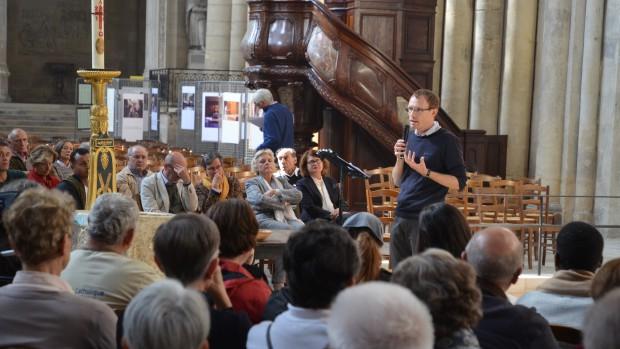 rassemblement à la cathédrale de Bordeaux le 9 octobre 2016