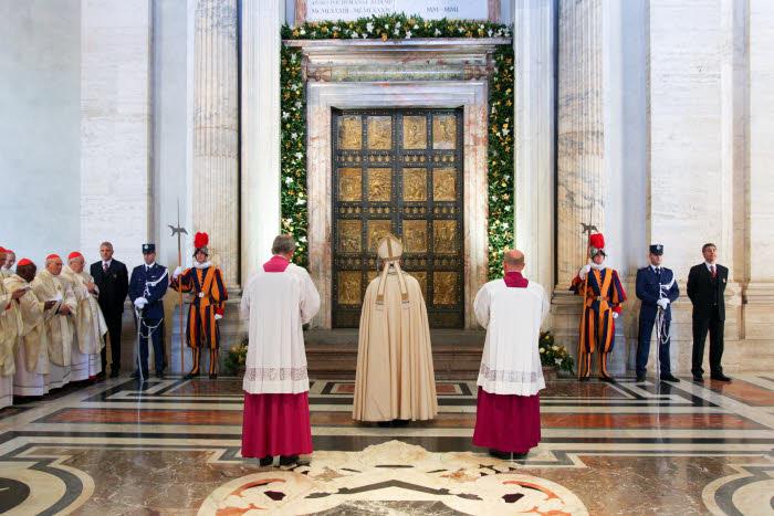 Faire l 39 exp rience de la mis ricorde donne de la joie - Les beatitudes une secte aux portes du vatican ...