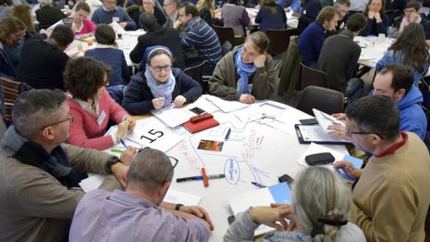 """Journée de rencontre nationale autour du synode sur """"Les jeunes, la foi et le discernement des vocations""""."""