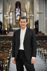 26 juin 2013 : P. Laurent STALLA-BOURDILLON, aumônier du monde politique (aumônier des parlementaires), directeur du Service pastoral d'études politiques (Spep), Paris (75). France.