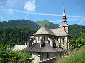 Une église romane dans la vallée d'abondance