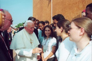 John-Paul-II-in-WYD-Paris-1997-300x200
