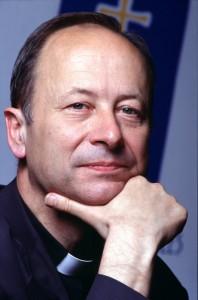 MICHEL DUBOST - EVEQUE D'EVRY-CORBEIL-ESSONNES (FRANCE) (2000 - ) NE: 1942 - PRETRE: 1967 (EUDISTE) - EVEQUE: 1989 (VICAIRE AUX ARMEES) CHARGE DE L'ORGANISATION DES JOURNEES MONDIALES DE LA JEUNESSE (1997)