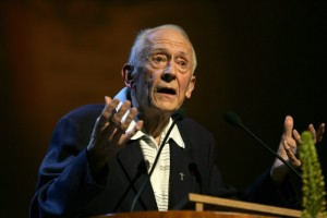 17 septembre 2005 - Soirée de prière et de témoignage avec Vassula Ryden au centre de Congrès à Montreux en Suisse. Intervention du Père René Laurentin.