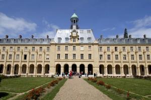 Le Séminaire Saint-Sulpice d'Issy-les-Moulineaux construit au XVIIe s. et en partie reconstruit par l'architecte BERARD à partir de 1871, Hauts de Seine (92), France.
