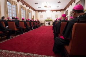 7 septembre 2017 : Visite pastorale du pape François en Colombie. Le pape François rencontre le Comité de direction du CELAM, le Conseil épiscopal latino-américain dont le siège est à Bogota à la nonciature apostolique. Bogota, Colombie. DIFFUSION PRESSE UNIQUEMENT. EDITORIAL USE ONLY. NOT FOR SALE FOR MARKETING OR ADVERTISING CAMPAIGNS. September 7, 2017: Pope Francis meets the Celam Committee in the Apostolic Nunciature in Bogota, Colombia.