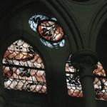 Vitrail de Gilles ROUSVOAL créé en 1992-1998. Transept sud de la Cathédrale Notre Dame de Coutances, Manche (50), Normandie, France.
