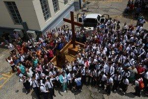 Visite de la Croix du pèlerin et de l'icône de la Vierge Marie à Panama (city), Panama