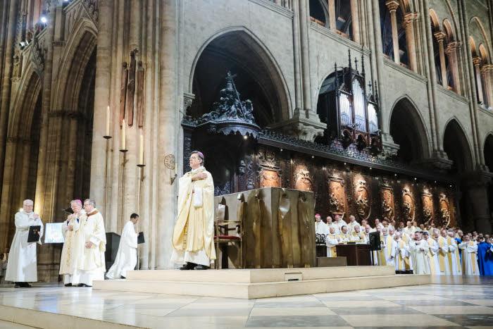 6 Janvier 2018 : Messe d'installation de Mgr Michel AUPETIT, nouvel archevêque de Paris, célébrée en la cath. Notre-Dame à Paris (75), France.