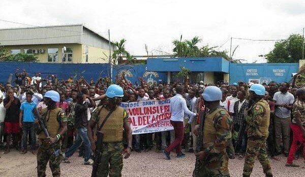 Congo manif paroisse