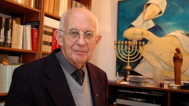 Octobre 2005 : Père Jean DUJARDIN, prêtre oratorien, ancien secrétaire du Comité épiscopal pour les Relations avec le Judaisme, à Boulogne Billancourt (92).