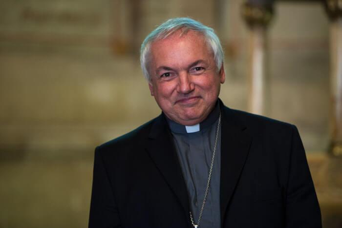 28 Septembre 2014 : Portrait de Mgr Jean-Marc AVELINE, évèque auxiliare de Marseille (13), France.   September 28, 2014: Mgr Jean-Marc AVELINE. Marseille, France.