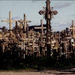 """1993: La """"colline des Croix"""" lors du voyage de de JP II en Lituanie, Europe"""