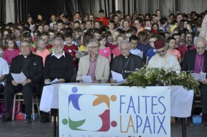 Jeudi 19 avril 2018 - cérémonie pour la paix (Photos Diocèse de Lille)21