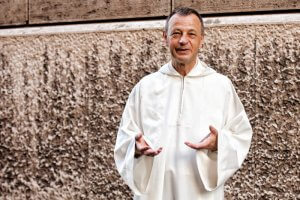 "17 septembre 2015 : Portrait de du Frère Aloïs, prieur de la communauté de Taizé. Vatican. September 17, 2015: Brother Alois LOESER poses during the meeting of the young consecrated, in occasion of the '' Year of Consecrated Life ""organized by the Congregation for Consecrated Life, at the Vatican."