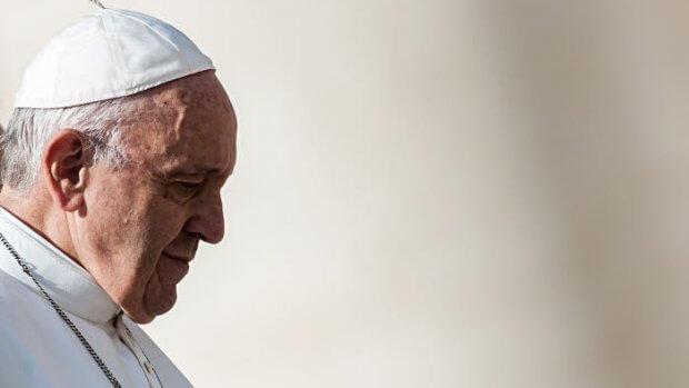 31 octobre 2018 : Visage du pape François de profil durant l'audience générale. Vatican.  October 31, 2018: Pope Francis during the wednesday general audience in Saint Peter's square at the Vatican.