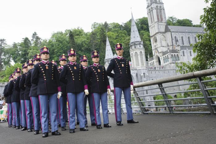 15 mai 2015 : Défilé militaire à l'occasion du 57e pèlerinage Militaire International (PMI) à Lourdes (65), France.                                    May 15, 2015: Military parade during the 57th International Military Pilgrimage (IMP), Lourdes (65), France.