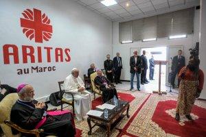 30 mars 2019 : Visite du pape François au siège de la Caritas. Rabat, Maroc. DIFFUSION PRESSE UNIQUEMENT. EDITORIAL USE ONLY. NOT FOR SALE FOR MARKETING OR ADVERTISING CAMPAIGNS. March 30, 2019: Pope Francis meets immigrants at Caritas headquarters in Rabat, Morocco.