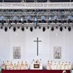 2 juin 2019 : Le pape François préside la Divine Liturgie durant laquelle seront béatifiés sept évêques grec-catholiques martyrs. Blaj, Roumanie. DIFFUSION PRESSE UNIQUEMENT.  EDITORIAL USE ONLY. NOT FOR SALE FOR MARKETING OR ADVERTISING CAMPAIGNS. June 02, 2019: Pope Francis presides over a Divine Liturgy and the beatification of seven martyred bishops of the Eastern-rite Romanian Catholic Church, in Blaj, Romania.