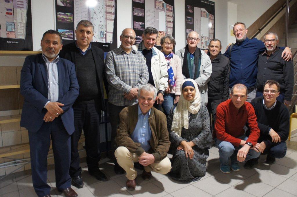 Mgr Santier: «Il faut poursuivre le travail de rencontre avec la com P.-Raphael-Deillon-avec-le-groupe-imams-pretres-1-1024x681