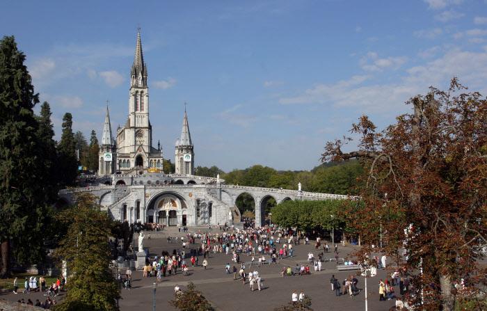 """21 septembre 2007: Pèlerinage """"Cancer Espérance"""" à Lourdes (65), France."""
