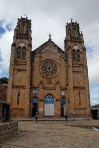 Février 2007: Façade de la Cathédrale de l'Immaculée Conception édifiée en 1830 par Alphonse TAIX, s.j., Tananarive, Madagascar, Afrique.