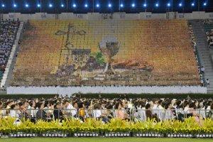 21 novembre 2019 : Assemblée réunie dans le Stade National de Bangkok, lors de la célébration de la messe par le Pape. Bangkok, Thaïlande. DIFFUSION PRESSE UNIQUEMENT. EDITORIAL USE ONLY. NOT FOR SALE FOR MARKETING OR ADVERTISING November 21, 2019: Pope Francis celebrates a Mass at the National Stadium in Bangkok, Thailand.