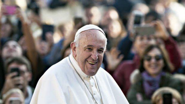 27 novembre 2019 : Le pape Francis lors de l'audience générale place Saint Pierre au Vatican.  November 27, 2019: Pope Francis during the weekly general audience, in St. Peter's Square, at the Vatican.