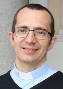 Le père Renaud Saliba, recteur du sanctuaire de Pontmain.